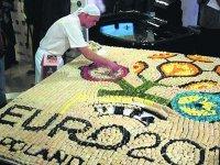 Логотип ЕВРО 2012 выложил из суши повар из Севастополя